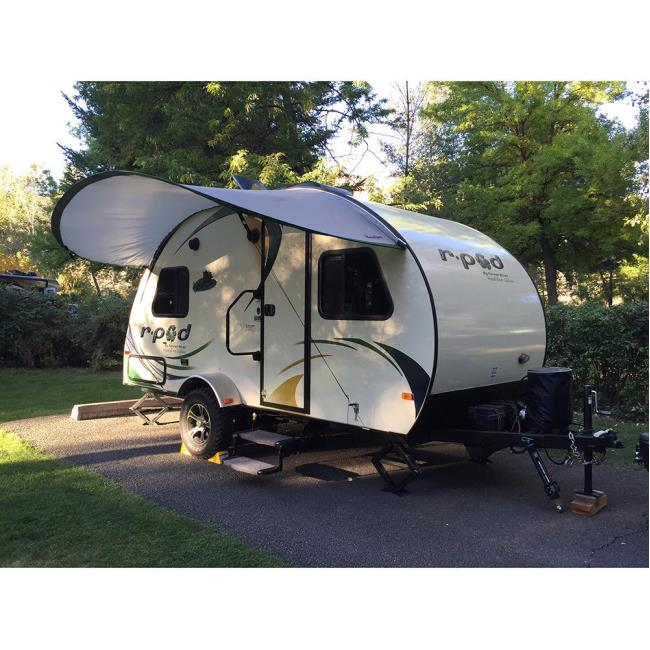 Image PahaQue R Pod Trailer Visor Silver Green To Enlarge The